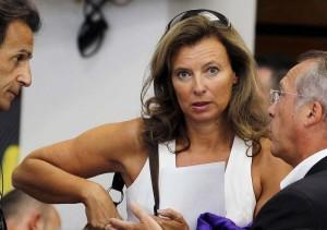 Valerie-Trierweiler-journaliste-et-compagne-de-Francois-Hollande-en-recherche-de-normalite_portrait_w858-300x211