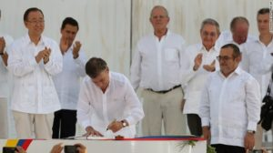 160926185849-04-colombia-farc-peace-deal-0926-exlarge-169